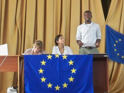 Зустріч школярів з представниками  Молодіжного Європарламенту