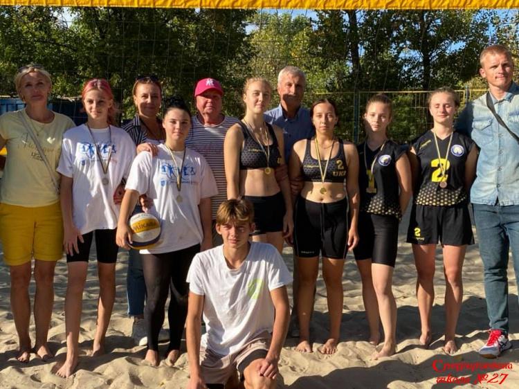 Вітаємо шкільну команду волейболістів з перемогою!